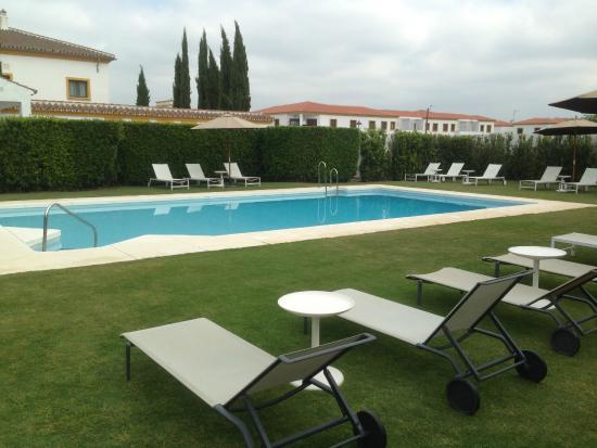 Hotel Castellar: бассейн