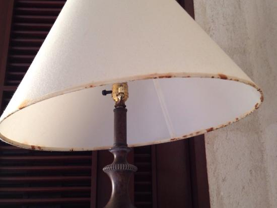 Saint Philip Parish, Barbados: Nasty lamp shade