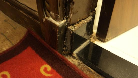 Redwall Hotel Beijing : it is true, so filthy and dirty!