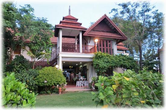 Ayutthaya Garden River Home: A beautiful place