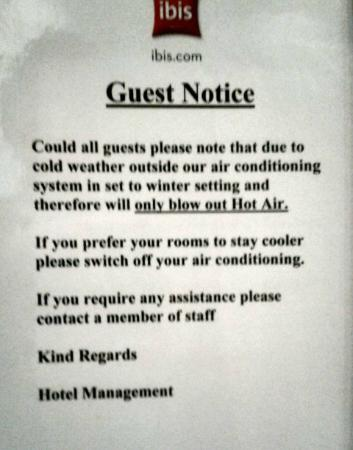 Ibis Belfast City Centre: Notice about no air conditioning.