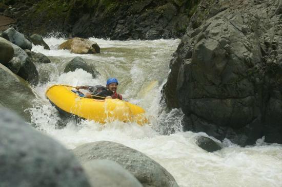 Pro Rafting Costa Rica : Turn and burn.