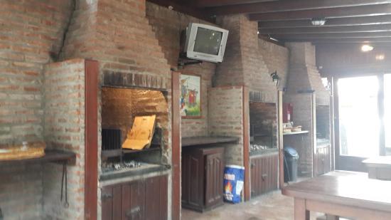 San Remo Villa Corral Aparts: sector de parrillas