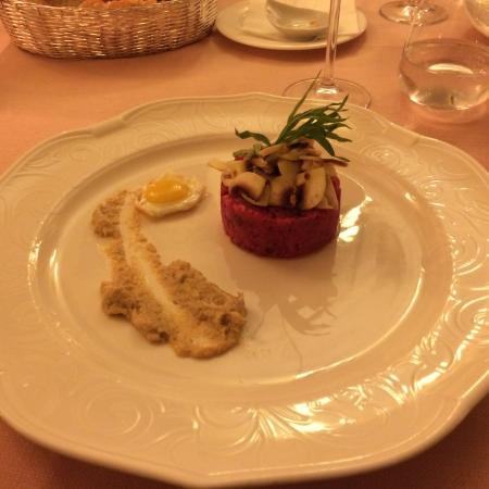 L'Alcova Restaurant at Ca' Sagredo Hotel: Tatar mit Tunfischmus, Trüffeln und Wachtelei