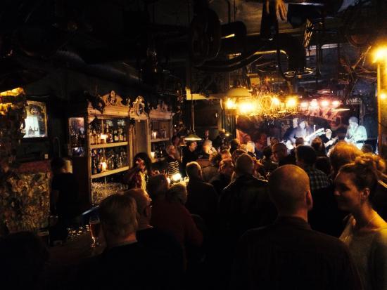 Jazzpuben Stampen: Live music & very busy!!