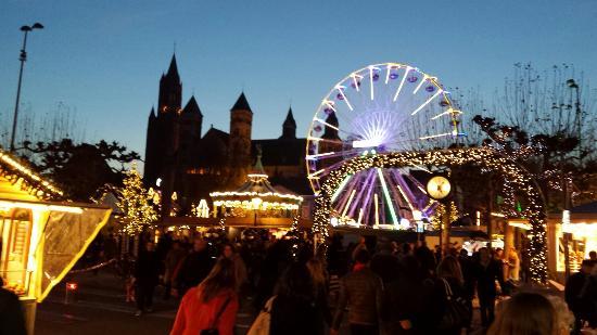 Kerstmarkt foto van vrijthof maastricht tripadvisor - Maastricht mobel ...