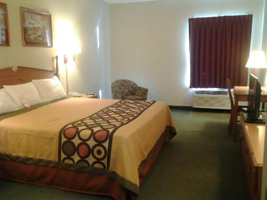 Pevely, MO: This is king room