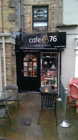 Cafe 76: Small and very cute.