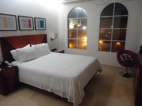 NH Cartagena Urban Royal: O quarto