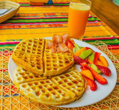 Coco Bongo: Waffle Breakfast