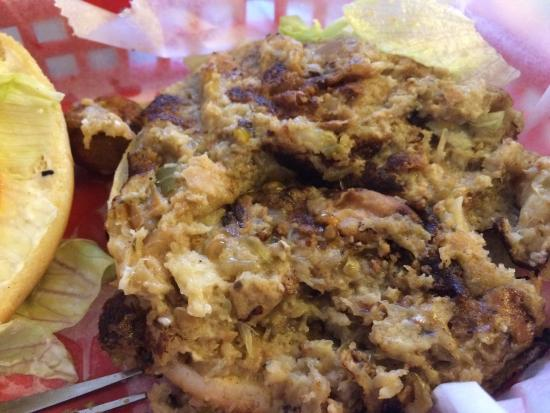 Ole Biloxi Schooner : The crab burger