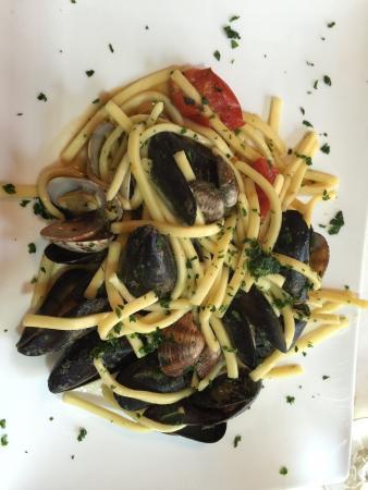 Ristorante La Basilica: Seafood pasta.