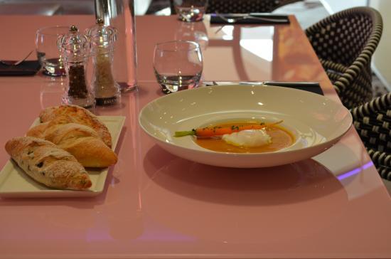 Fauchon Cafe: carrot soup