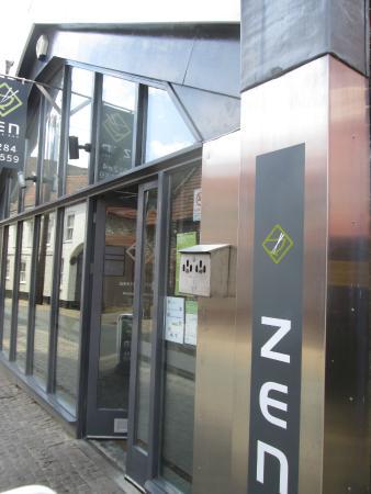 Zen Noodle Bar: Zen Entrance