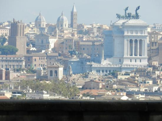 Papillon Service Italy Tours: View of Rome