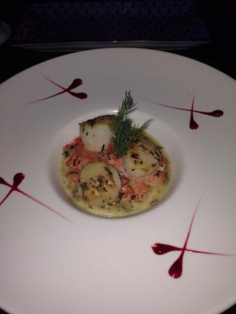 Lounge 8 : Scallops with sweet potato were outstanding!