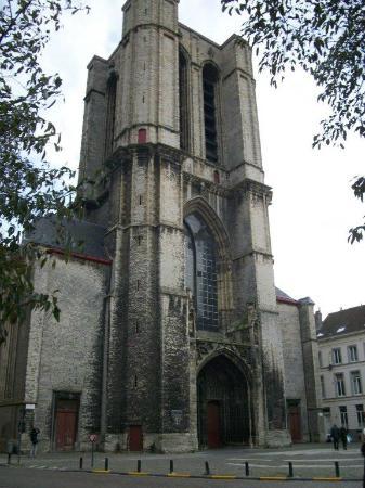 St Michael s Church: la tour inachevée
