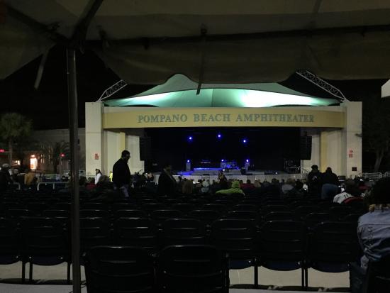 Pompano Beach Amphitheatre: Behind the last row.