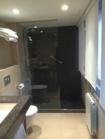 Mirador de Siurana Hotel: Bathroom