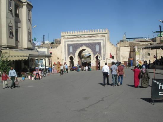 Hotel Jardin Public : Bab Boujloud...just around the corner.