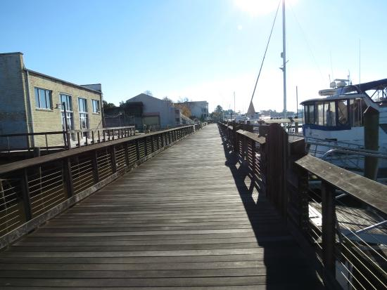 River Room: Public Harbor Walk