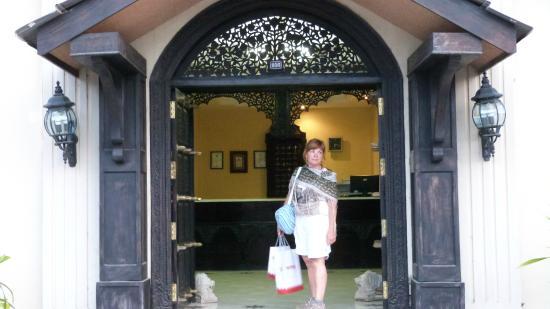 Zanzibar Grand Palace Hotel: puerta principal