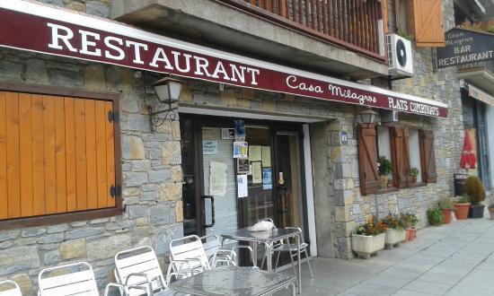 Restaurante casa milagros rural restaurante en la vall de bo con cocina otras cocinas espa olas - Casa rural vall de boi ...