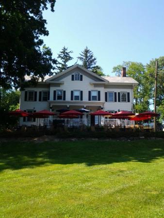Paulie's Anna Rose: Blooming Grove Inn