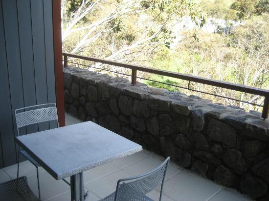 Rydges Thredbo Alpine Hotel: Nice balcony area - shame it was non-smoking