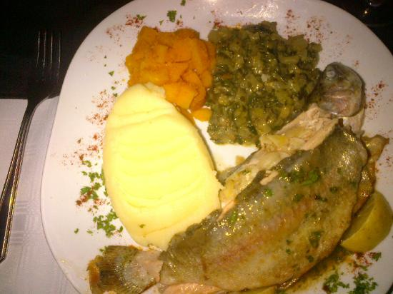 Barbara's Bistro: Trout and veg