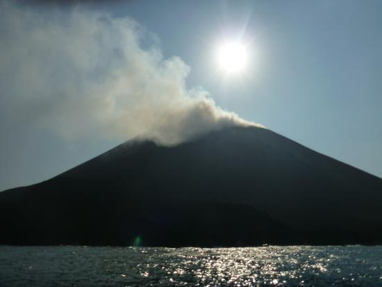 Anak Krakatau Nature Reserve : Anak Krakatau Early Morning