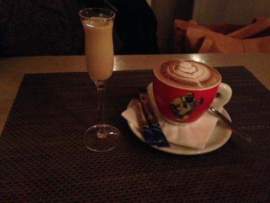 Radecki Restauracja Zbigniew Radecki: Ending the night with a coffee and cream