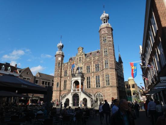 Venlo, Países Bajos: здание мэрии