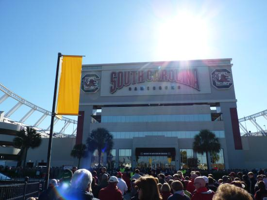 game time - Picture of Williams-Brice Stadium, Columbia ...