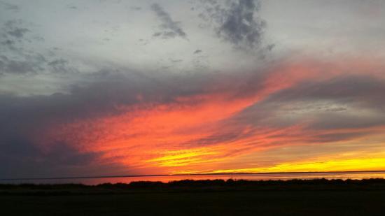Black Walnut Point Inn : Black Walnut Point sunset 1