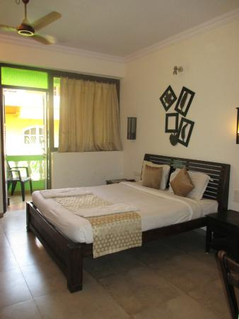Joia Do Mar Resort: The A/C deluxe room as I had expected.