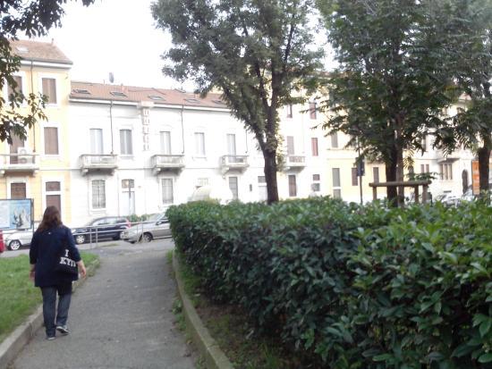 Aspromonte Hotel: Piazza e Hotel Aspromonte
