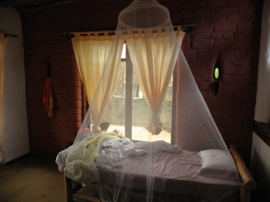 Praia Jale: The room
