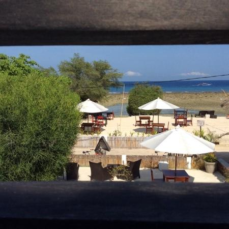 Villa Julius: View from sun deck outside of room during low tide