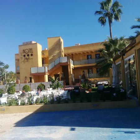 Hotel El Bichet: Fronte Hotel