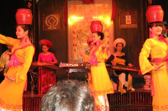 Traditional Theater: hoi an theatre.
