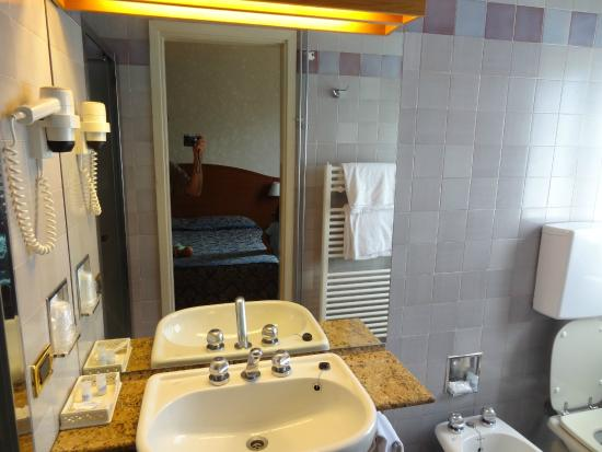 Excelsior Palace: Bagno