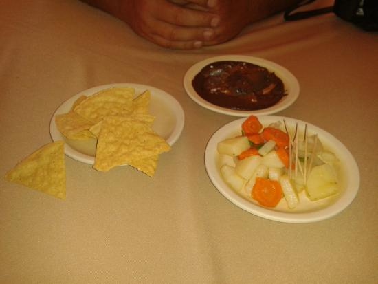 Los Mestizos Restaurant: 3