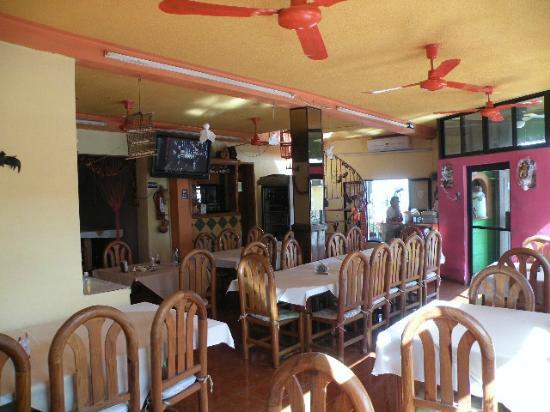 Los Mestizos Restaurant: 4