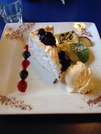 Olive Tree Cafe : Pavlova