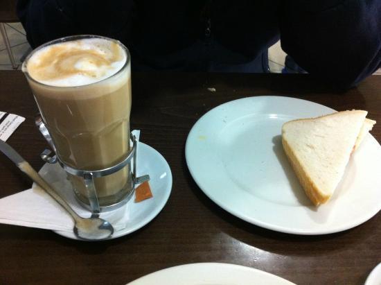 Casa Madeira: bacon sandwich and latte