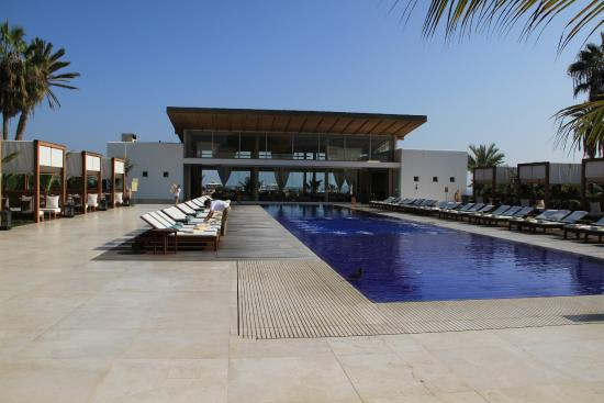 Picture of hotel paracas a luxury collection for Hotel luxury resort paracas