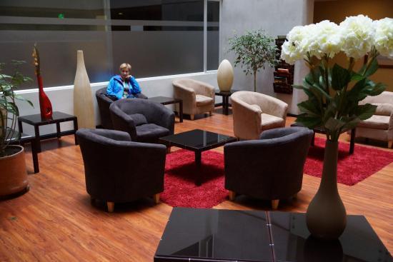 Hotel Finlandia: the lounge