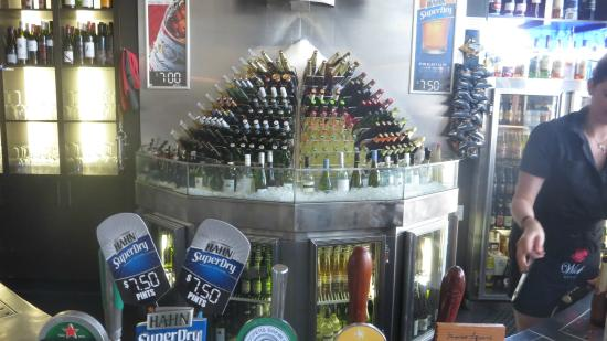 The Oyster Bar: Lots of cold beer