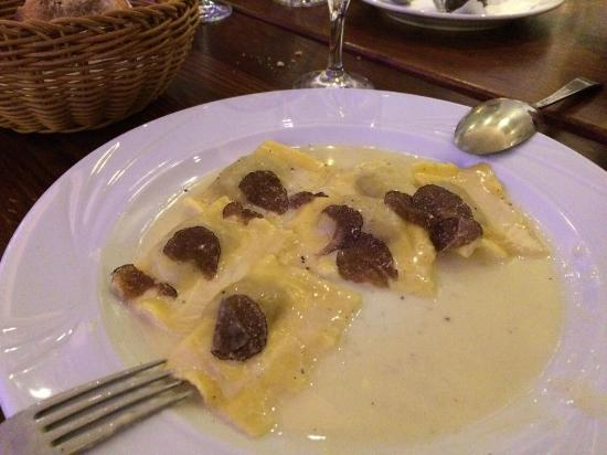 Ristorante La Luce Due: home-made wild pork ravioli with fresh truffles